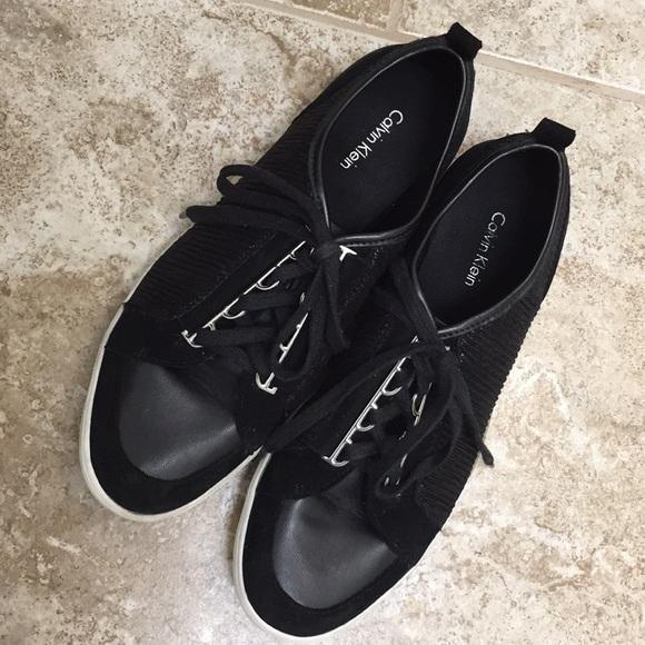 Calvin Klein Tennis Shoes Sz 9